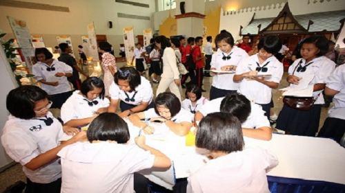 دولت تایلند امکان استفاده از خدمات تحصیلی دولتی به صورت رایگان تا 15 سال را تایید کرد
