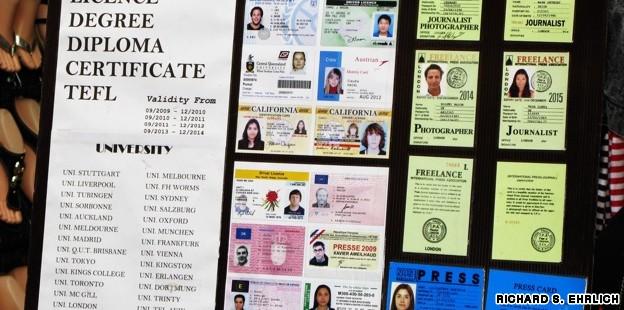 بنابر قوانین کشور تایلند :ارائه هرگونه مدرک تحصیلی جعلی جریمه و زندان به همراه خواهد داشت